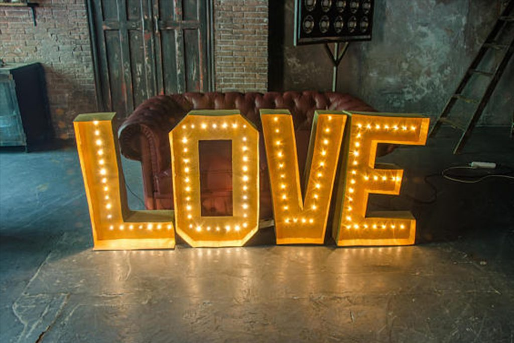GIANT WEDDING LETTER HIRE LOVE