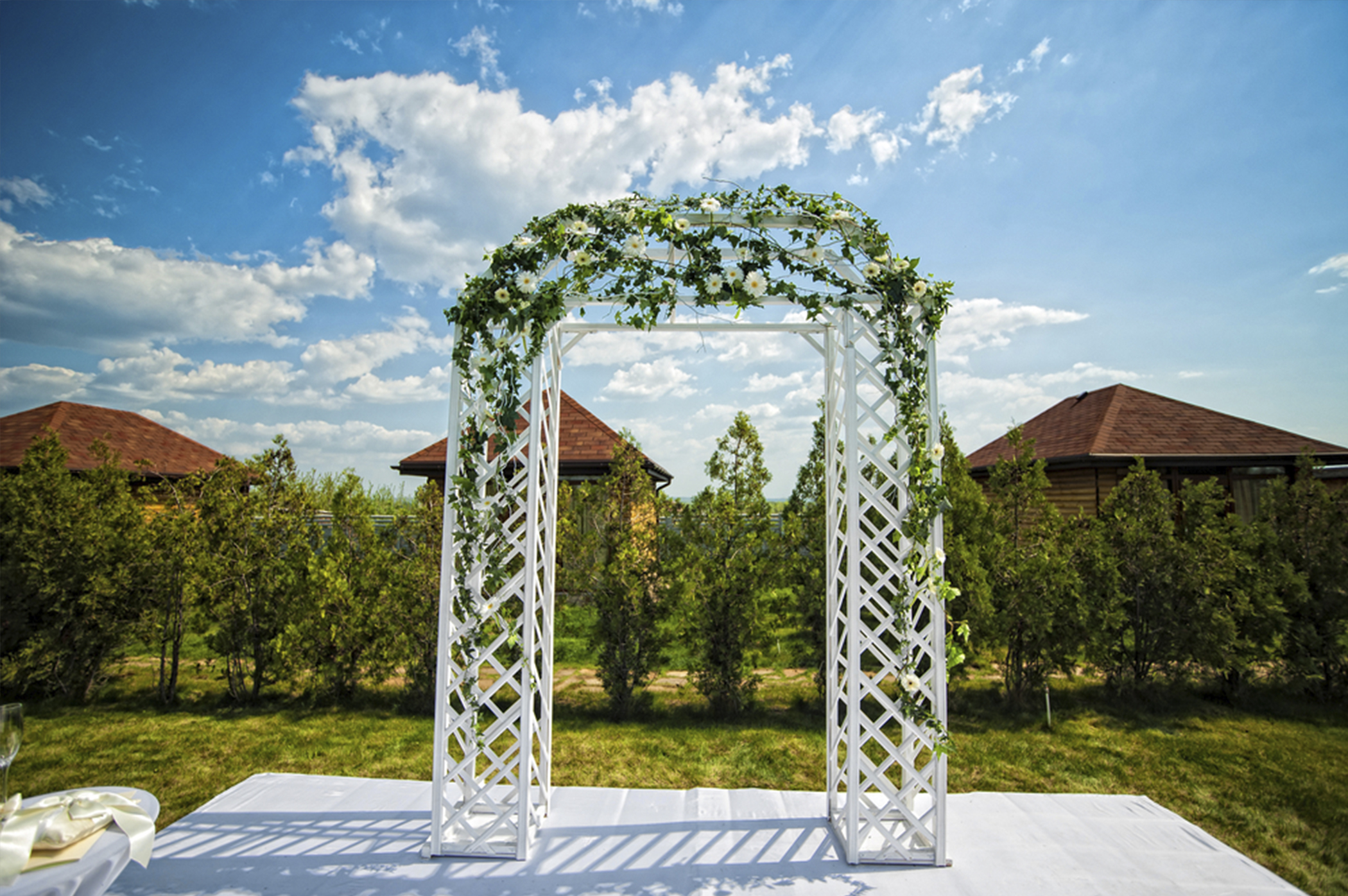 Choosing the Perfect Bridal Arch